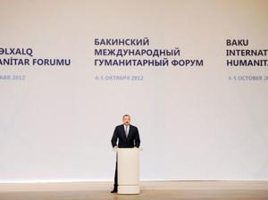 Ilham-Eliyev-forumda-chixish