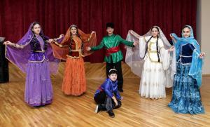 """""""Arşın mal alan"""" tamaşasının Belorusda uğuru"""