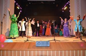 """""""Günay"""" Uşaq Teatrı tamaşaçılarını sevindirməyə davam edir"""